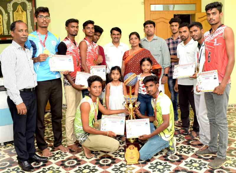JKKN Students won the golds in various National level championship games